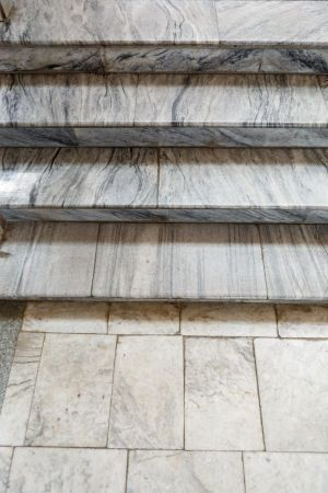 Marble-staircase171213152456
